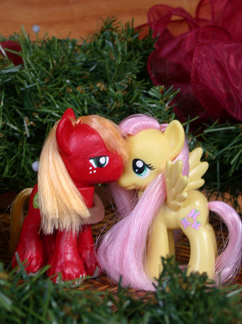 A Very Fluttermac  Christmas by phasingirl