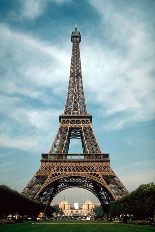 EiffelTower by ZOLTAR2003