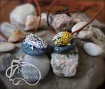 Snow and Normal Leopard Gecko Pendants