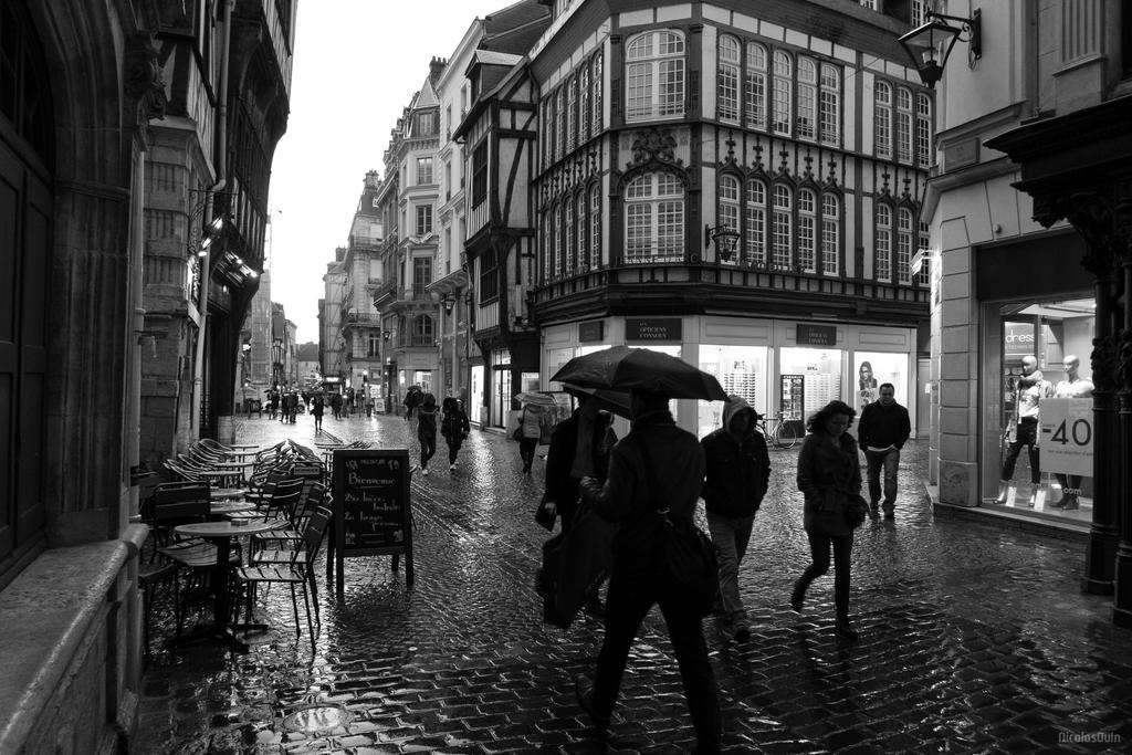 Explore Rouen - Street photography 06 by Nicolas-Ouin
