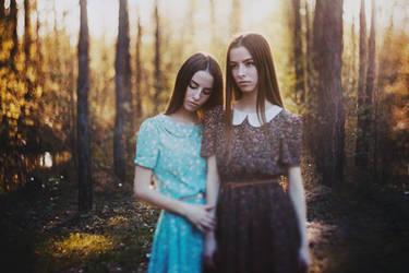 cute twins by rmalo5aapi