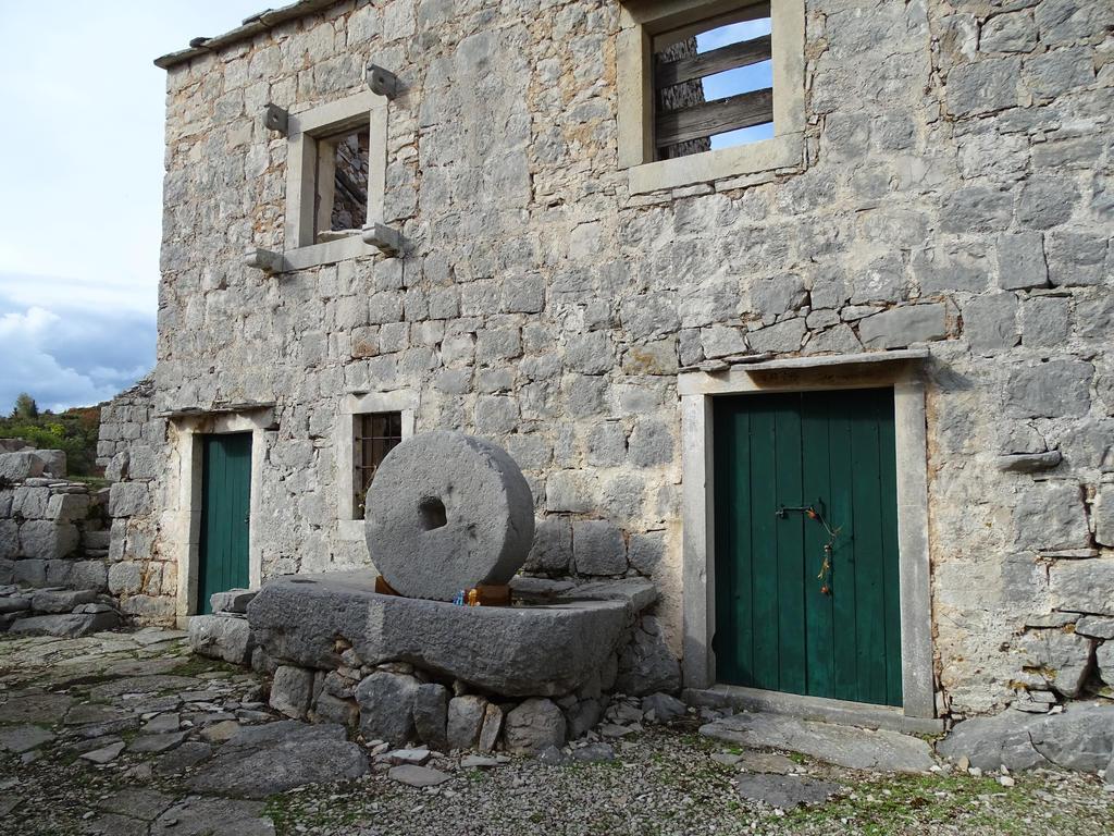 Olden times (Nakovana, Croatia) by theOwtcast