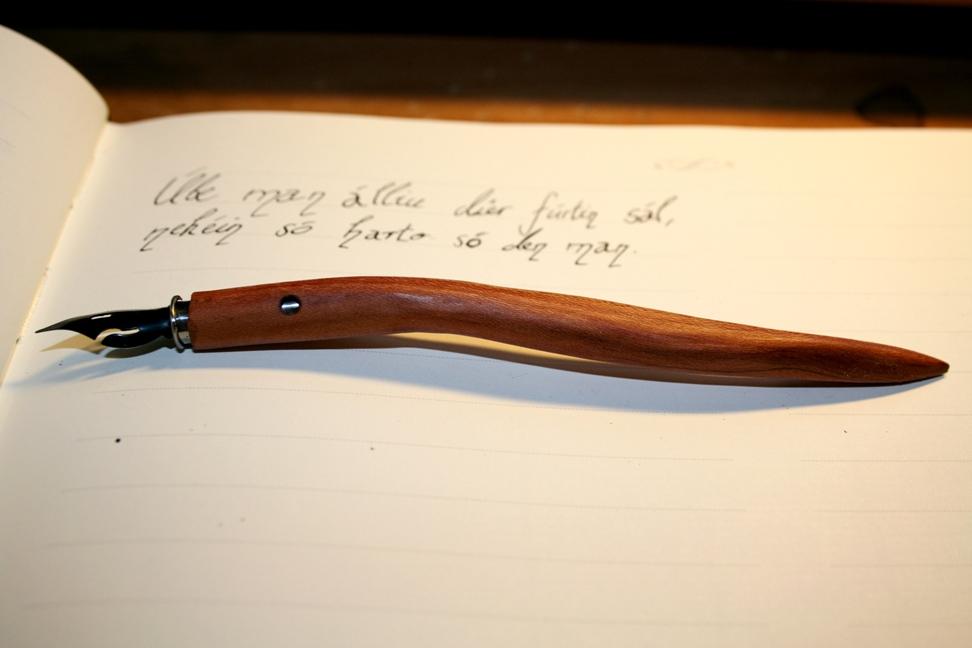 Wooden Penholder by Hluthvik