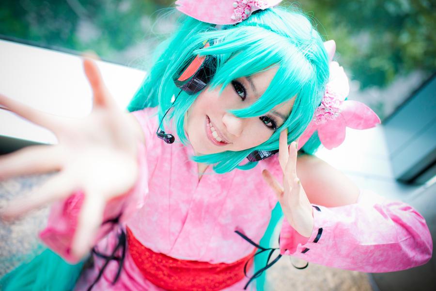 Miku: Cheery by missdeliri