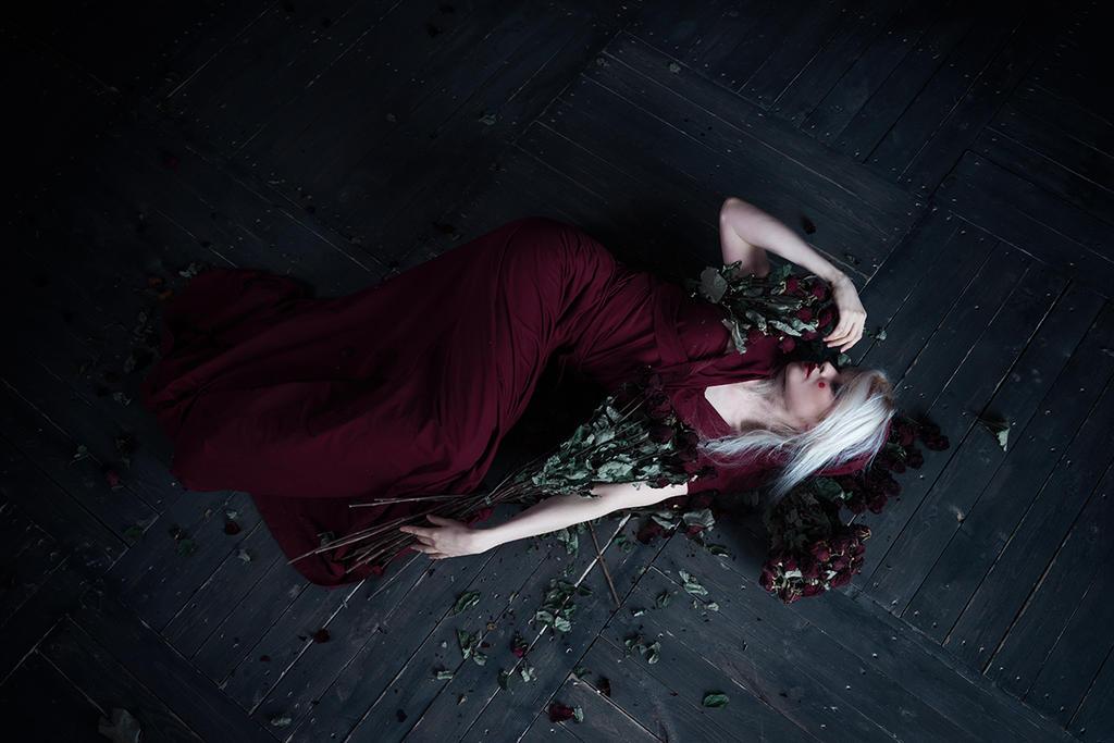 Thorns inside my heart by forgotten-tale