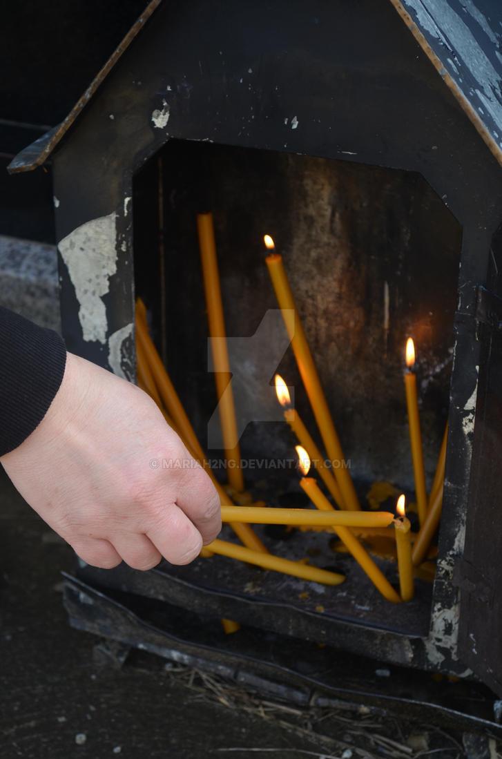 Paljenje svece by Mariah2ng