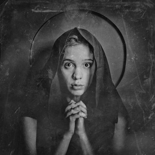 Mary's: Jasmine by Piotr-Kaniewski-Ring