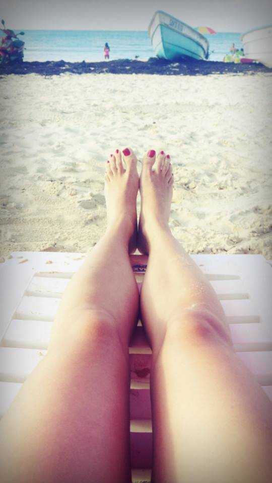 Red Toenails by LazareLobo