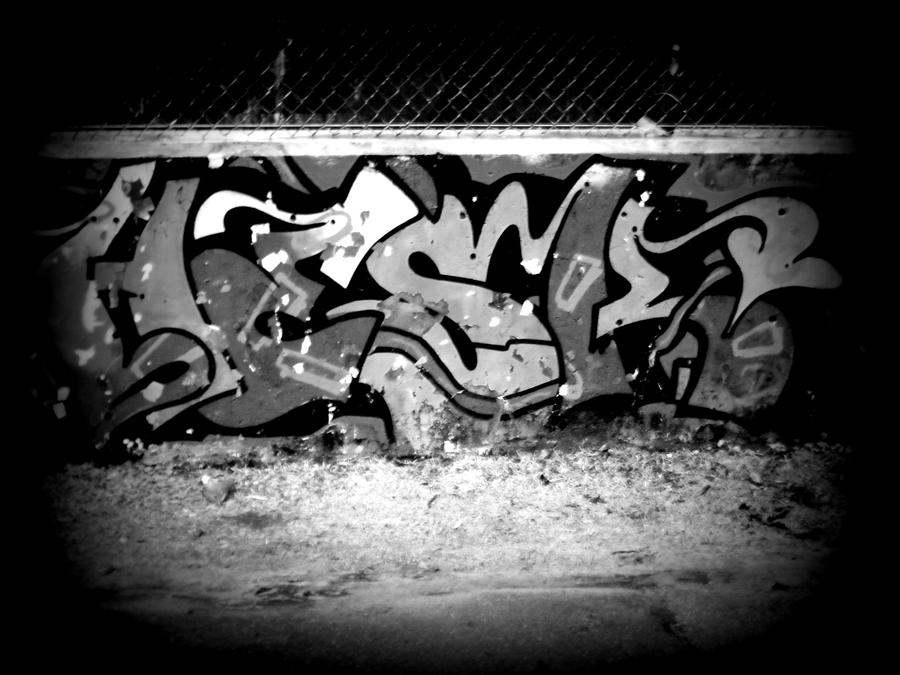 black and white graffiti by lunaglow30 on deviantART