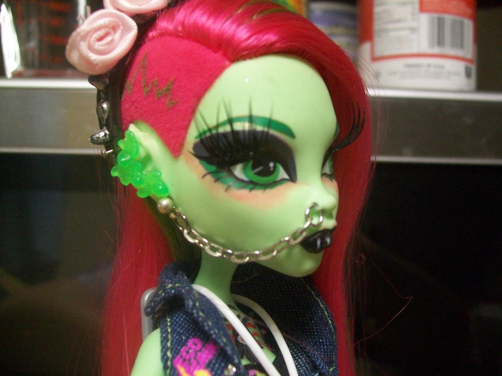 Venus Mcflytrap Doll Venus McFlytrap MH repaint 2