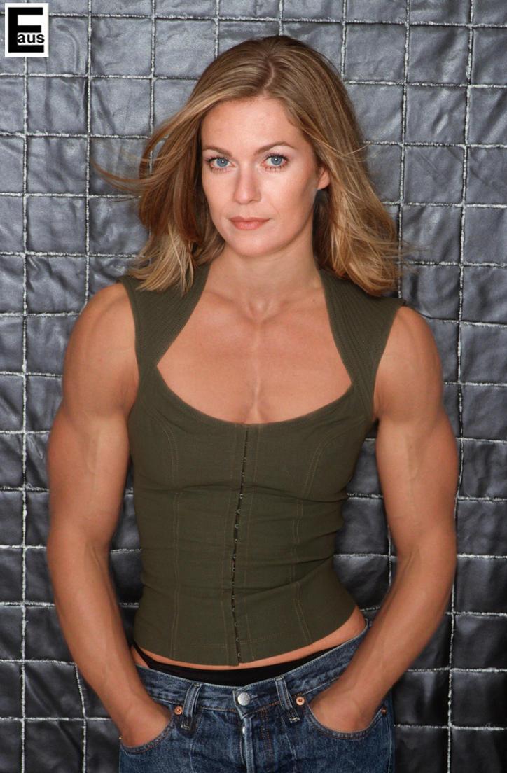 Lisa Martinek muscle by edinaus