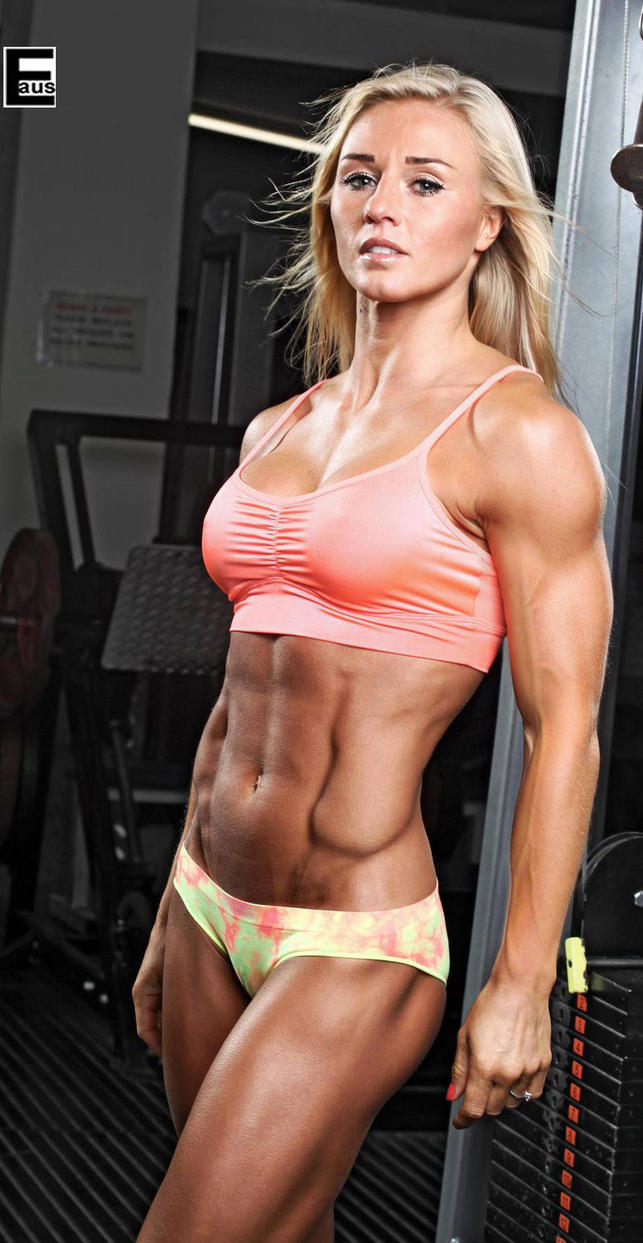 Top Female Muscle Model In Bikini - Slutloadcom