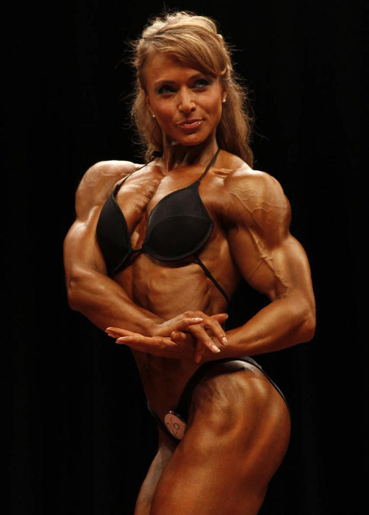 lady body builder nude photo