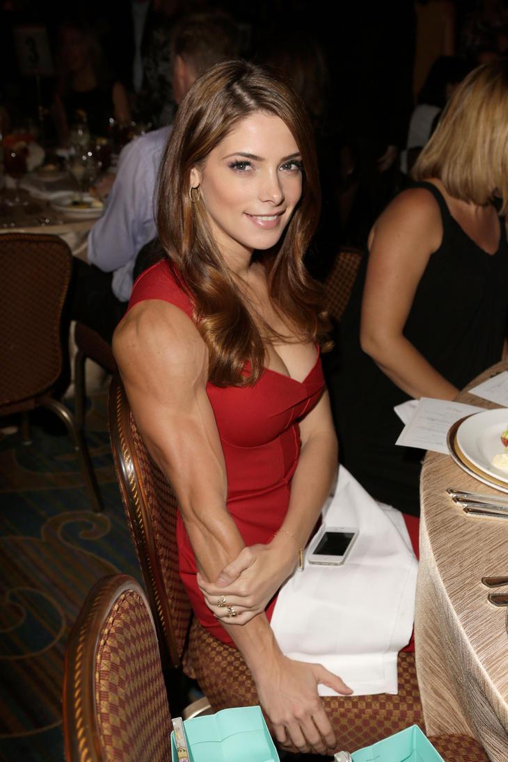 Muscular Ashley Greene by edinaus