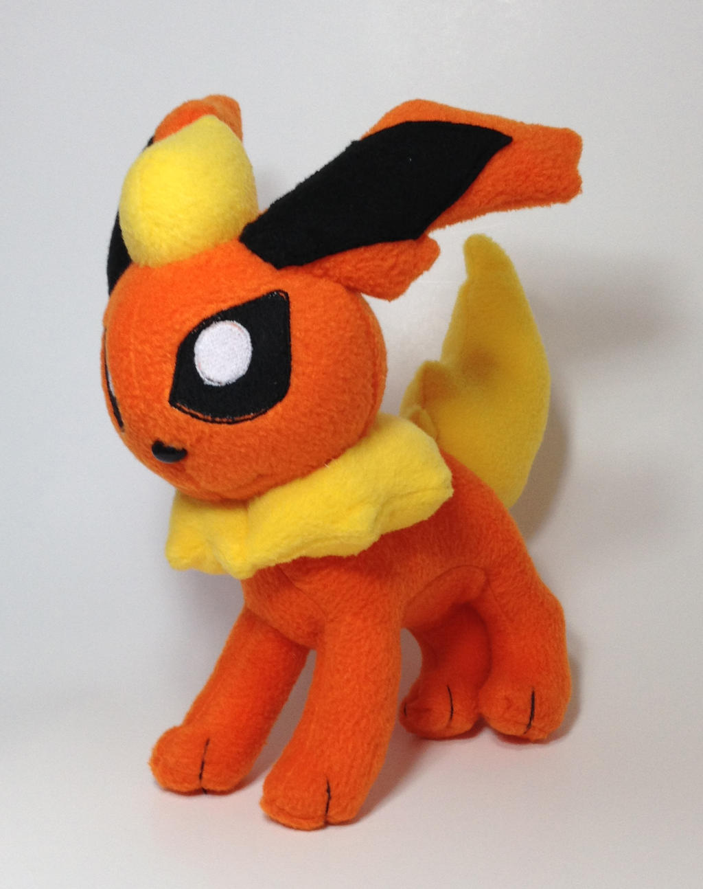 Pokemon - Flareon custom plush by Kitamon