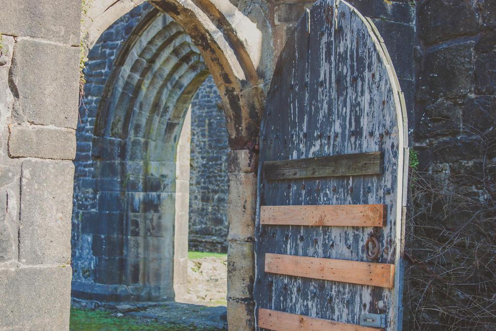 castle door by DesignEnigma