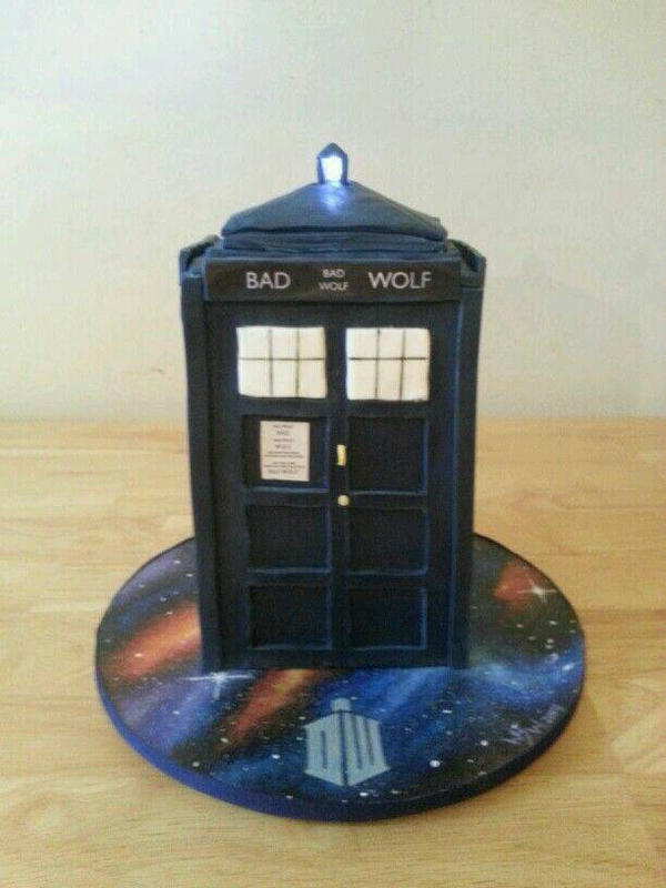 Bad Wolf Doctor Who TARDIS Cake by vampslayr4 on DeviantArt