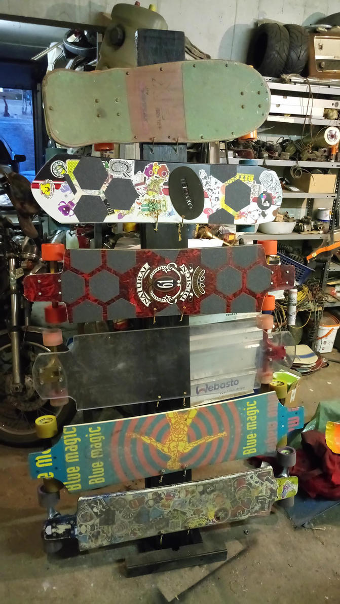 Longboard Display by PaperVarren