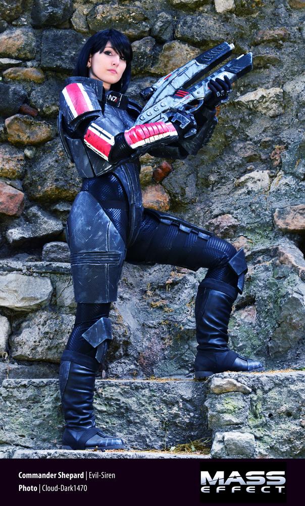 Commander Shepard (femshep) Mass Effect Cosplay 01 by Evil-Siren