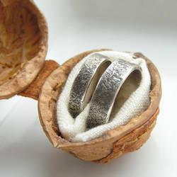 Rustic Rings in Nutshell box