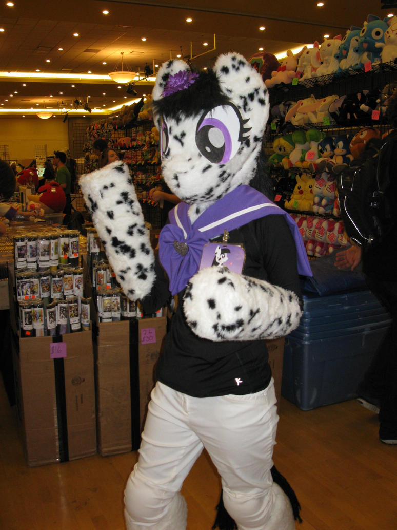Ditsy Dots at the con by Rennon-the-Shaved