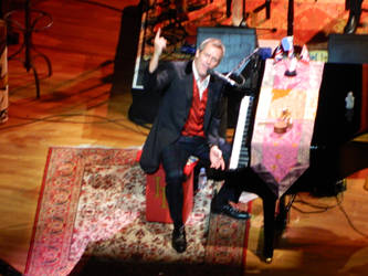 Hugh Laurie Live
