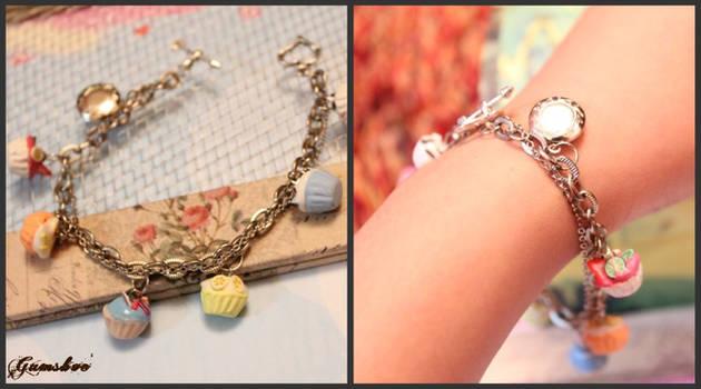 CupCAke Bracelets with Lockets