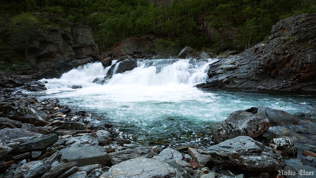 Waterfall by dead-star