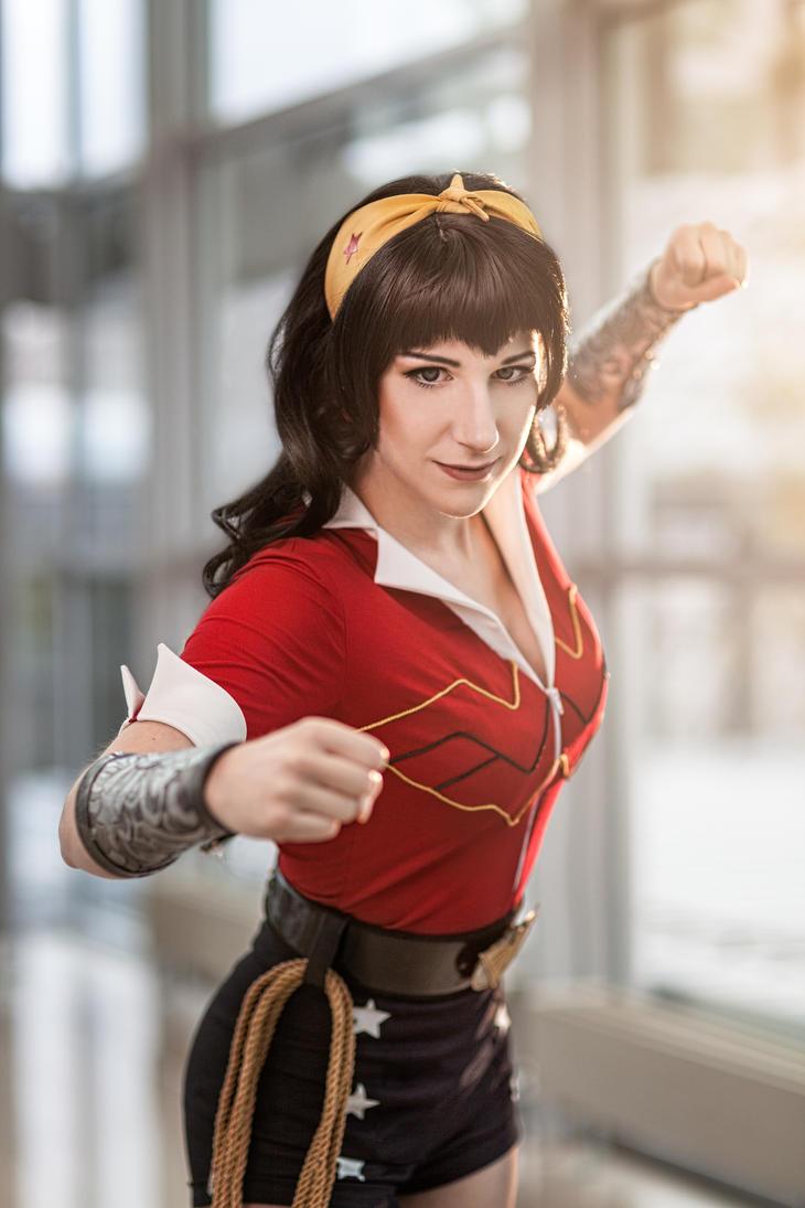 Fight! Wonder Woman Bombshell Cosplay #1 by Tsu-yaa