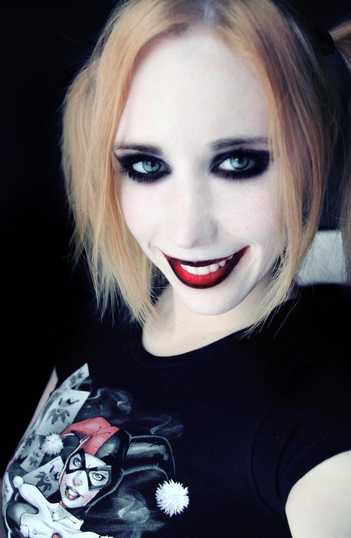 Harley Quinn makeup test by Stephanie-van-Rijn