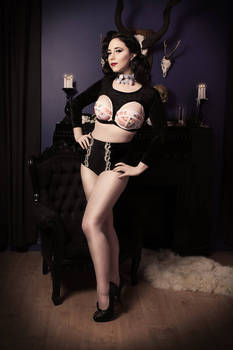 Goth Pin Up 2