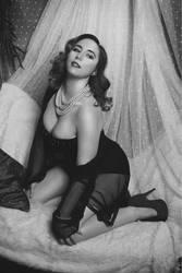 Hollywood vintage glam
