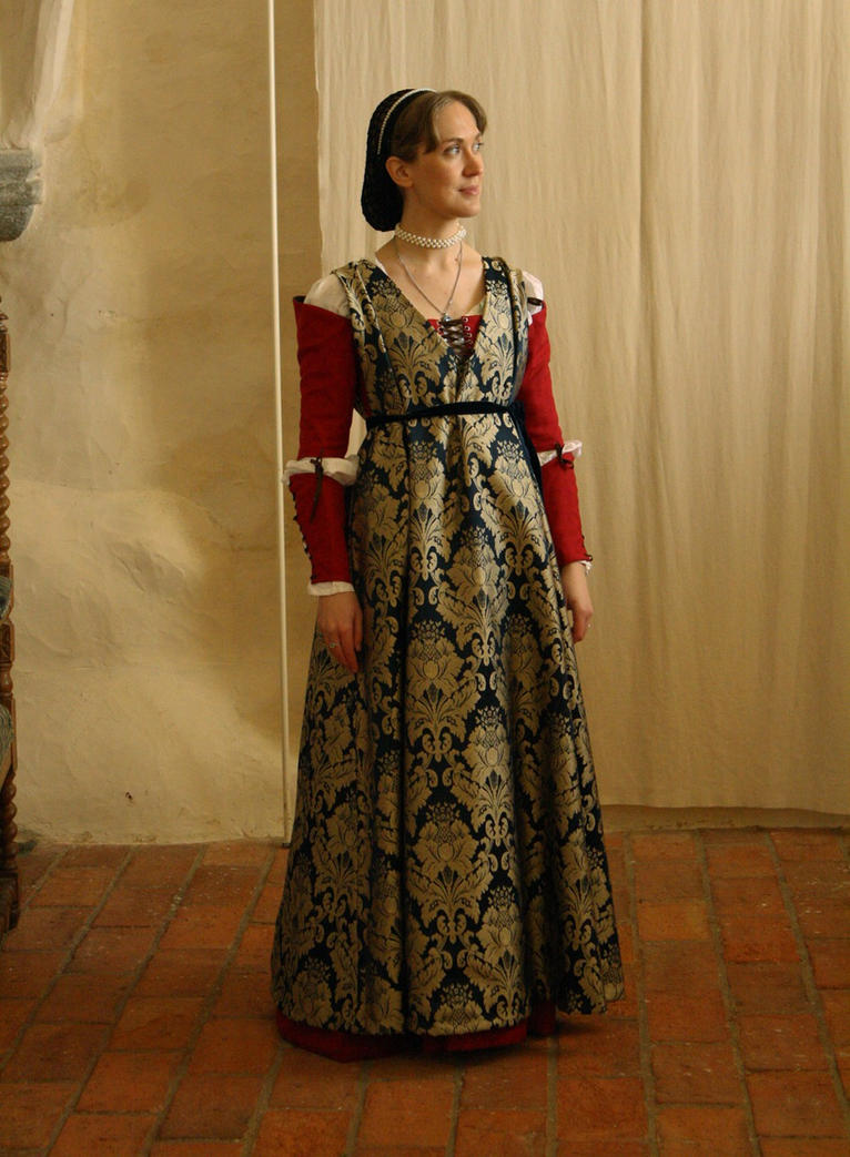 15th century Italian outfit take 2 by PetStudent on DeviantArt