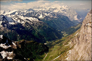 Bavarian Alps by haloeffect1