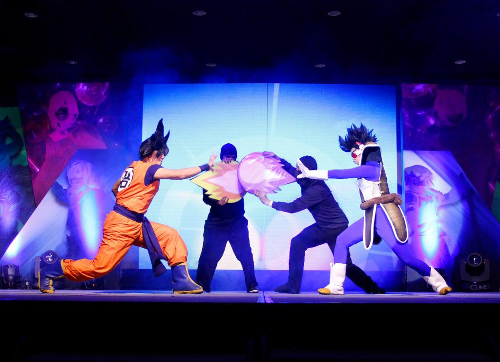 Goku vs Vegeta by jeffbedash325