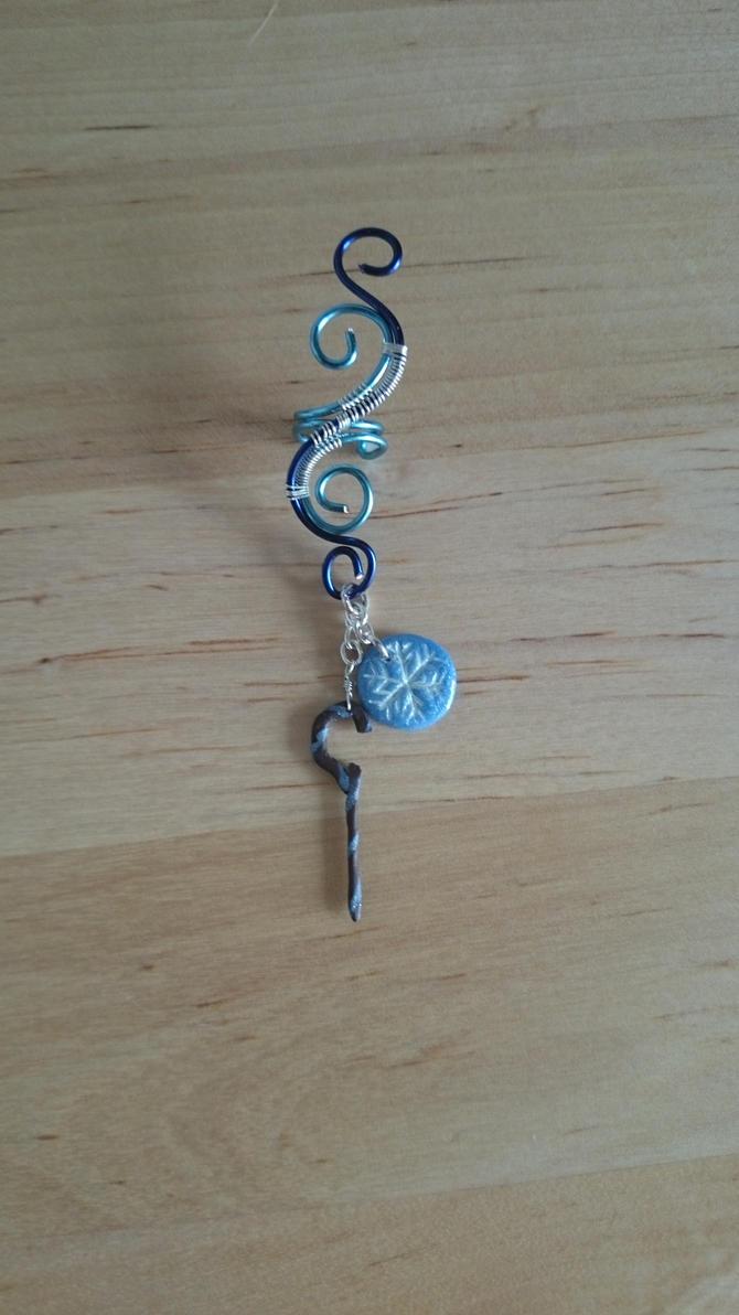 Jack Frost inspired wire swirl ear cuff by 77Flower77