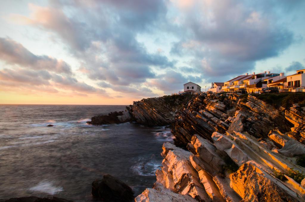 Sunset cliff by mabuli
