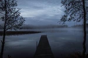 Silent lake by mabuli