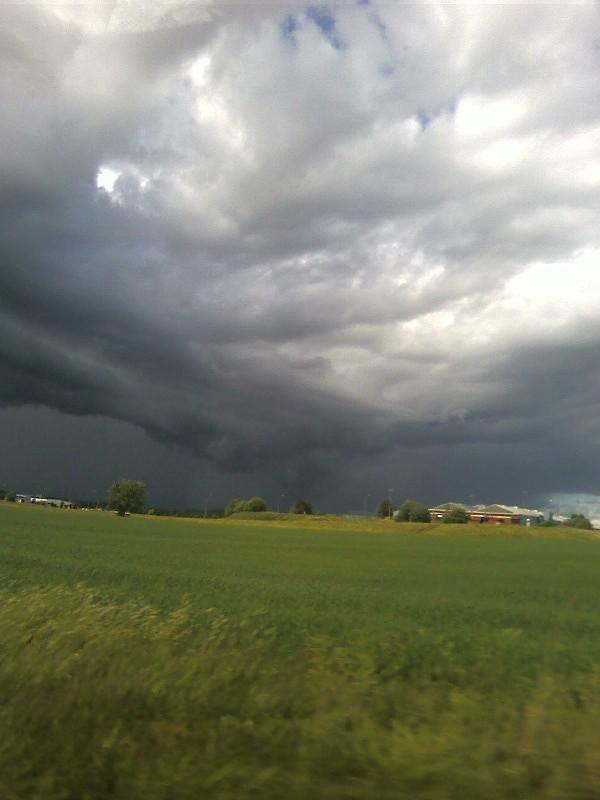 Dark clouds by YikYik
