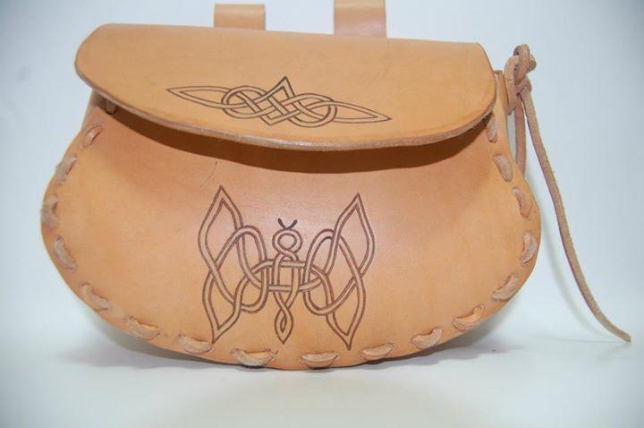 Medieval beltbag by Robijel