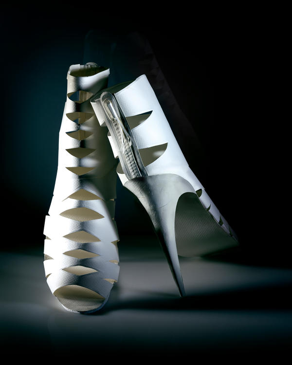 Paper Sculpture Fashion 3 by hazelB