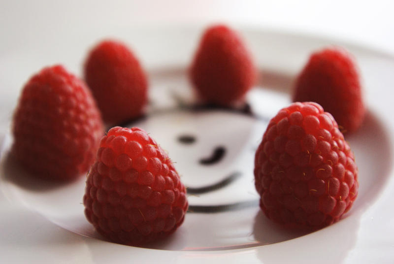 raspberries by keepintogether