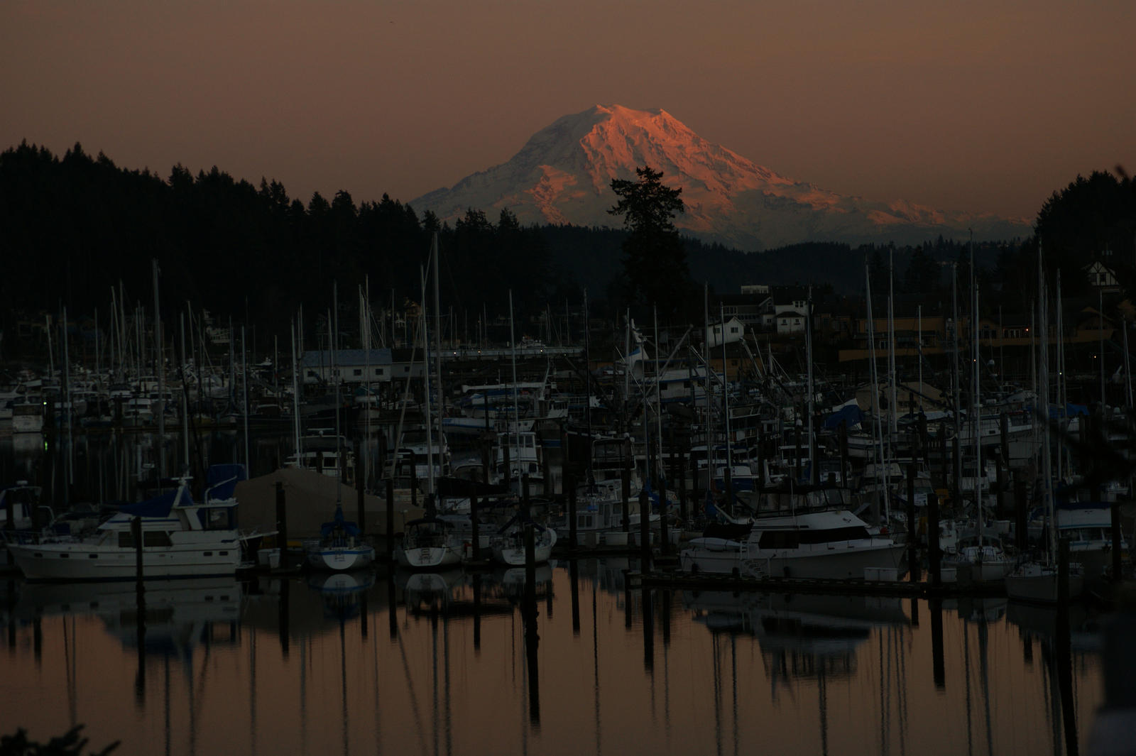 gig harbor chat 4320 harborview drive gig harbor, wa 98332 phone 2536494600 fax 2536494696 our gig harbor office is located on the north end of town driving south towards downtown from the gig harbor north shopping center burnham dr nw turns into harborview dr right where our office is located.