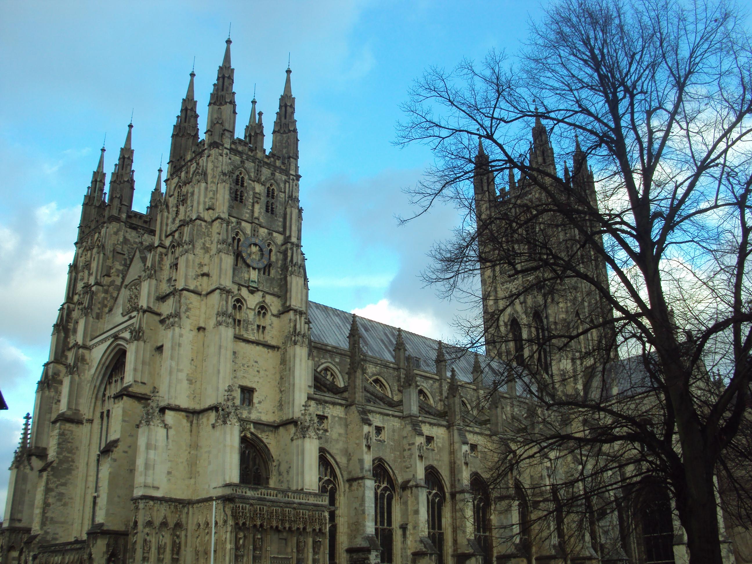 The Canterbury Cathedral by IoaleKelina