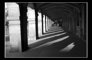 Paris - Place des Vosges 2 by cyaenn