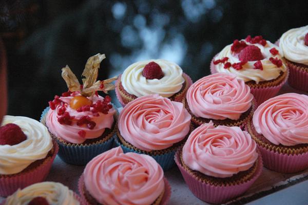 Valentine Cupcakes~ by YnekochanY