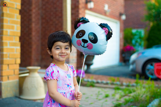 Day 3: Hiba and the very expensive panda balloon
