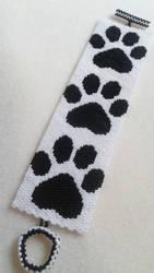 Black and White Paw Print Bracelet by amalym