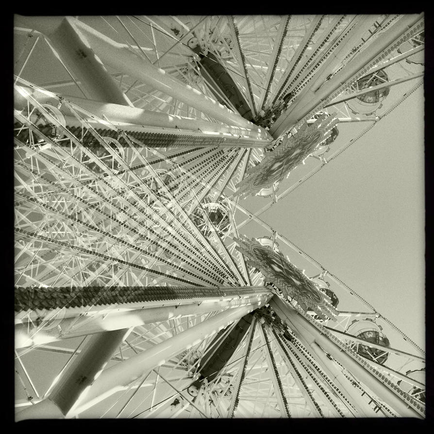Ferris wheel IV by vw1956