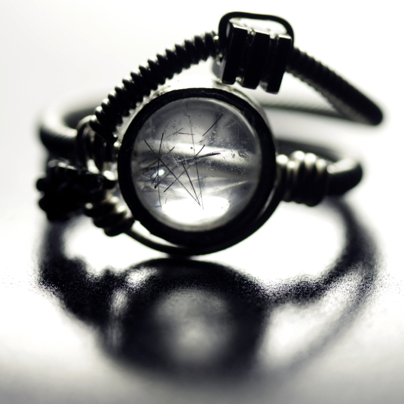 http://fc06.deviantart.net/fs38/f/2008/318/6/7/Cyberpunk_Ring_rutile_Quartz_by_CatherinetteRings.jpg
